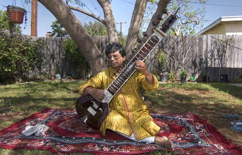 Aloke Dasgupta playing Sitar
