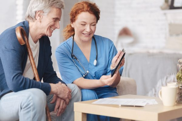 Why Continuum of Care Is Important When Choosing a Retirement Community